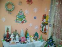 Выставка поделок детского и семейного творчества «Новый год у ворот!»